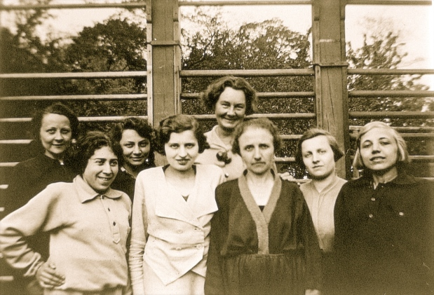 Katharina Schroth (center rear) in a group of her patients treated in her institute in Meissen.